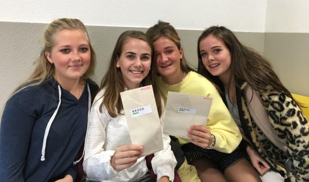 De Bilthovense scholieren Isabel, Josephine, Josephine en Charlie willen Utrecht - en Nederland - meer milieubewust maken. Foto: Sebas Bouquet