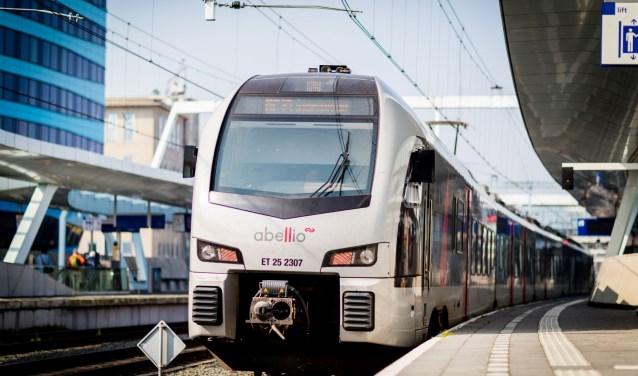 Adviseurs van het Europees Portaal voor Beroepsmobiliteit geven in de trein meer informatie over werken in Duitsland. (foto: PR)