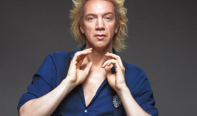 Rasentertainer Sven Ratzke kijkt terug op 20 jaar artiestenschap in 'It's Wunderbar!', vrijdag in ZINiN.