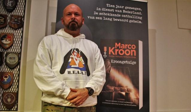 Marco Kroon presenteerde afgelopen zaterdag zijn nieuwe boek 'Kroongetuige' waarin hij vertelt over een missie in Afghanistan.