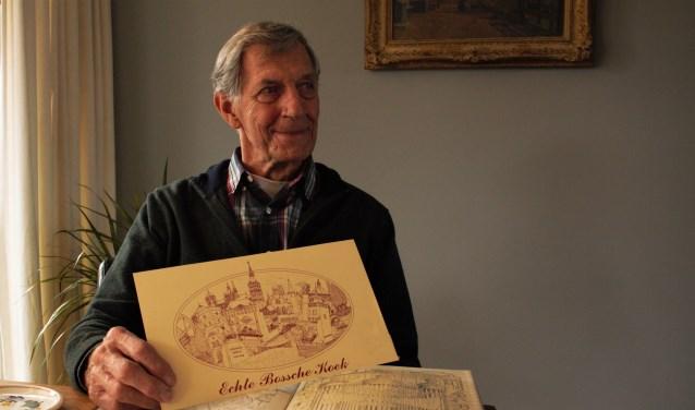 Jan van den Berg beleeft op tachtigjarige leeftijd een bijzondere primeur. Zijn zwart-wit tekeningen van Den Bosch worden voor het eerst geëxposeerd. Ze zijn te zien in Visio Vlasborch in Vught.