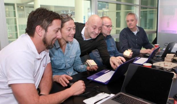 Derde vanaf links is Erik Peter Vermaat (Foto: Peter van Zetten).
