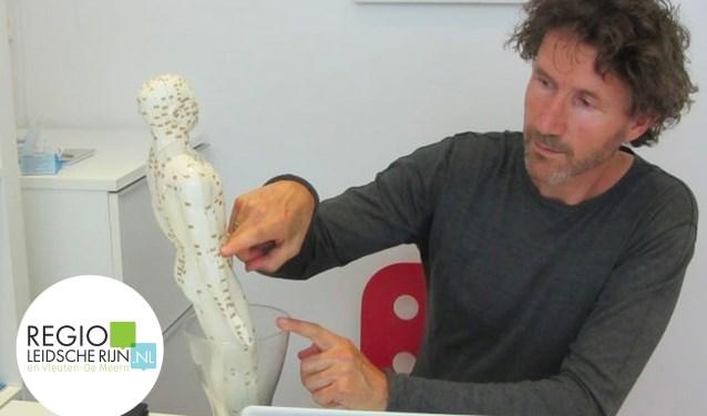 Acupuncturist Bas van Dijk kwam per toeval in aanraking met acupunctuur.