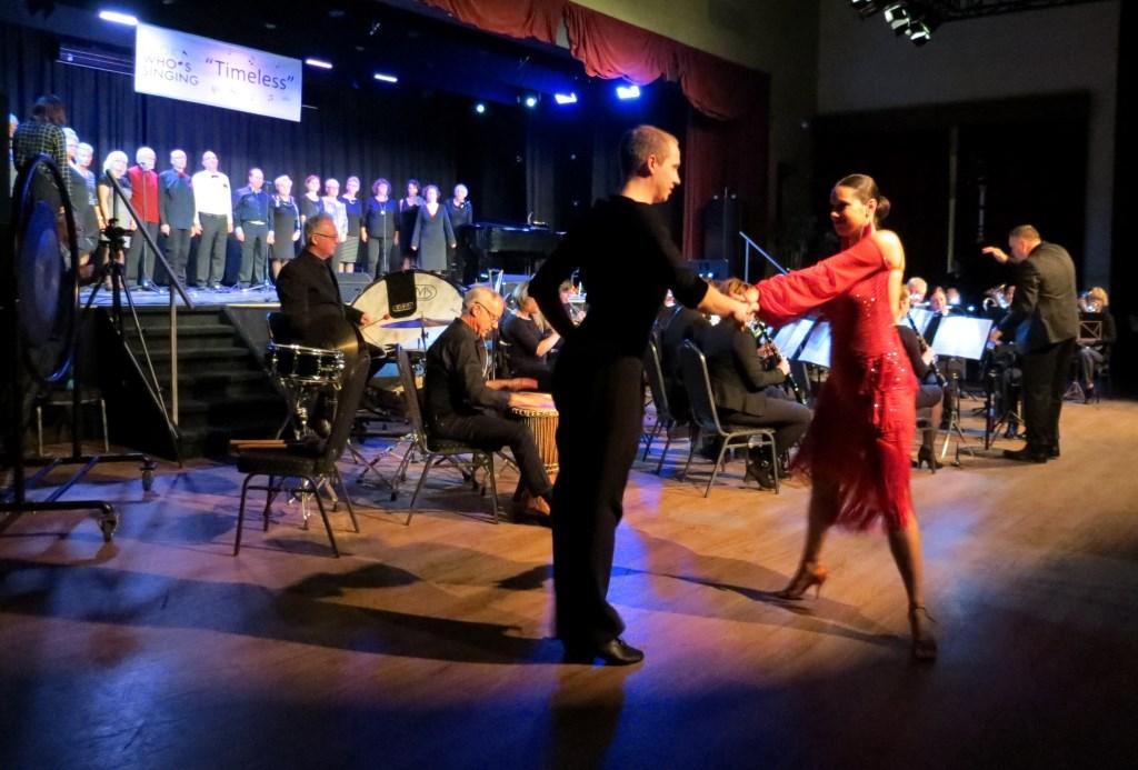 Koor Look Who's Singing, Liemers Harmonie en Vida dansschool.