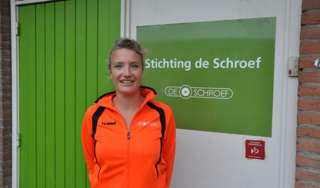 """""""Als teamleider zorg ik voor de aansturing en coaching van de buurtsportcoaches, zodat zij belangrijk kunnen zijn voor hun doelgroepen"""", aldus Babette. Meer info over het sportcafé: www.stichtingdeschroef.nl."""