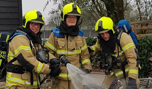 Ed ging samen met de brandweermannen een 'echte' brand blussen in de polder. (Foto: Helena Korbee)