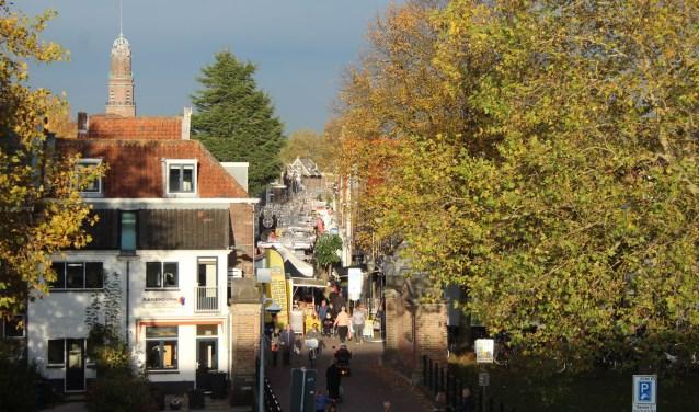 IJsselstein heeft een unieke historische binnenstad, met weekmarkt op vrijdagmiddag- en avond, sfeer en activiteiten. (Foto: Lysette Verwegen)