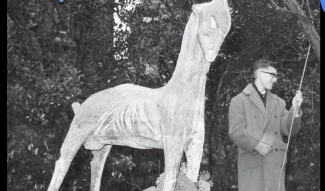 Bij het zestigjarige bestaan van de school schonken de studenten een beeld van 'de geit'. De geit is tevens het logo van de studentenvereniging. Het beeld staat nu bij het Boomkwekerijmuseum.