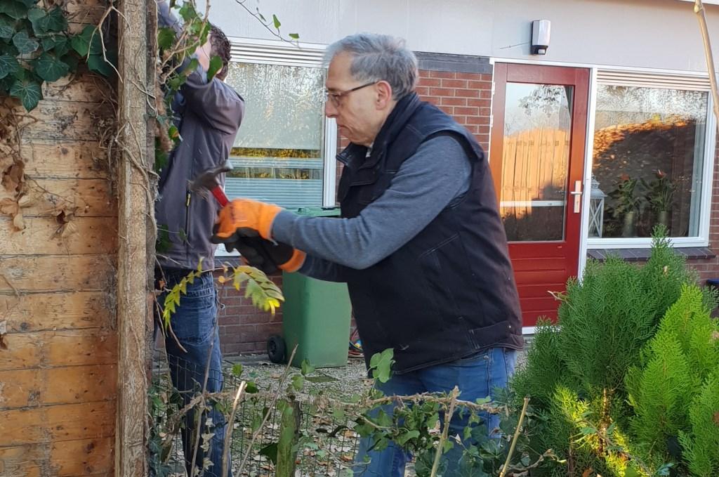 Hulp door vrijwilligers Foto: Present Doetinchem © Persgroep