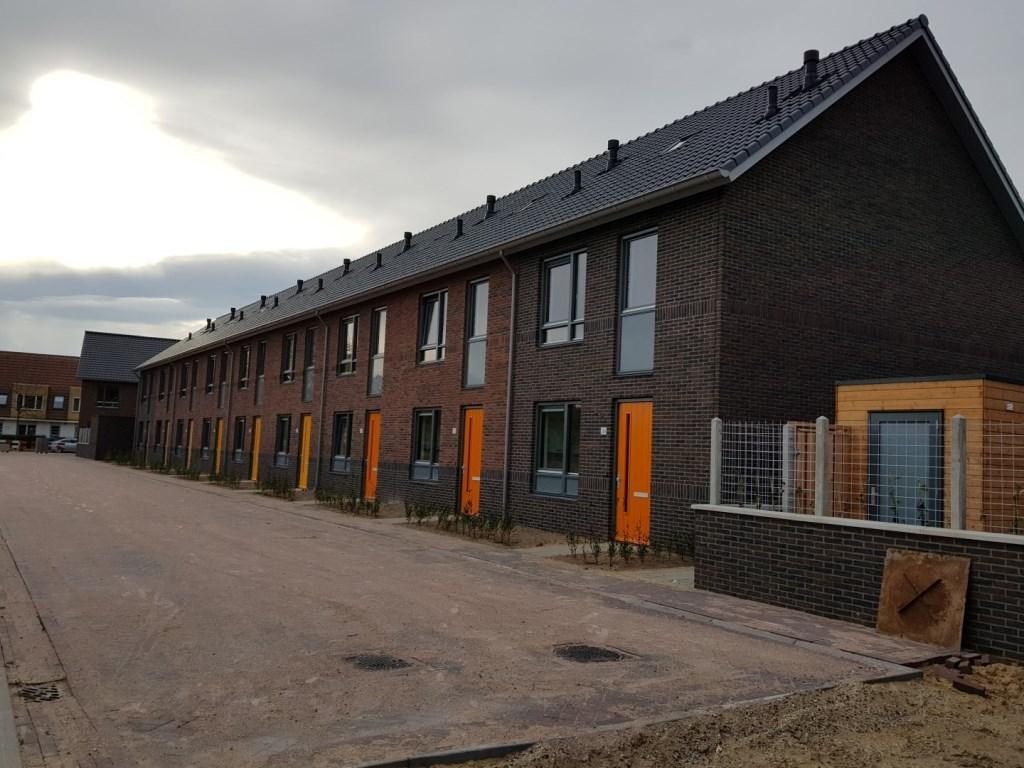 Tussen de Zanderijweg en de Blokkenweg worden 26 eengezinswoningen opgeleverd Foto: Woonstede © Persgroep