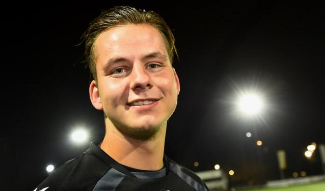 VV Gendringen-verdediger Tom Masselink (20): 'We hebben een goed, jong team met heel veel potentie.' (foto: Roel Kleinpenning)