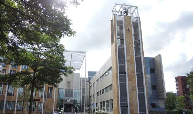 Het gemeentehuis van Veenendaal waar de voordracht van de nieuwe burgemeester dinsdagavond bekend wordt gemaakt. (Archieffoto: Nico van Ginkel)