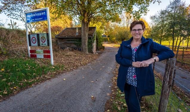 Truus Pelders-van Haren heeft een boek geschreven over de geschiedenis van haar geboorteplaats Hedikhuizen. Foto: Yuri Floris Fotografie
