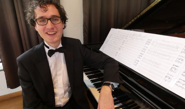 Wouter Harbers wil pianomuziek toegankelijker maken. (Foto: Adriënne Nijssen)