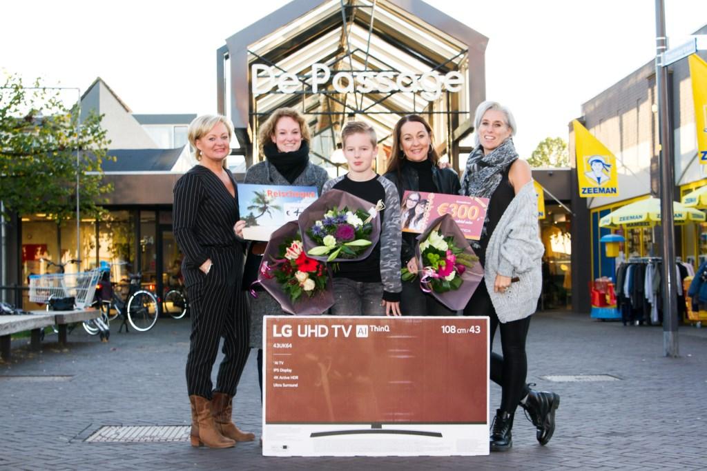 V.l.n.r. Nathalie Hendriks (Pronto), Danique Smeijers, Bjorn Tijdeman, Ilona Roelofs en Susanne Haytink (Shoeby).