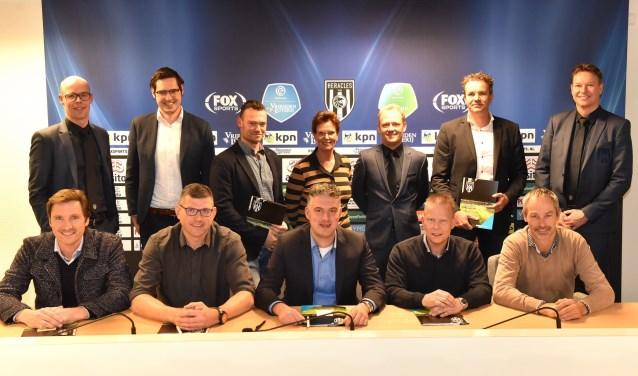 De 10 supers zullen het lopende en volgende seizoen spaaracties voor Heracles Almelo-supporters opzetten.