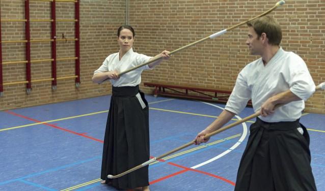 Faye Noorman in actie tijdens een naginata-gevecht. (Foto: Wijntjesfotografie.nl)