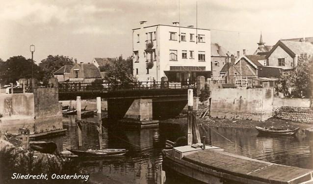 De Oosterbrug in Sliedrecht. Wie weet het nog?