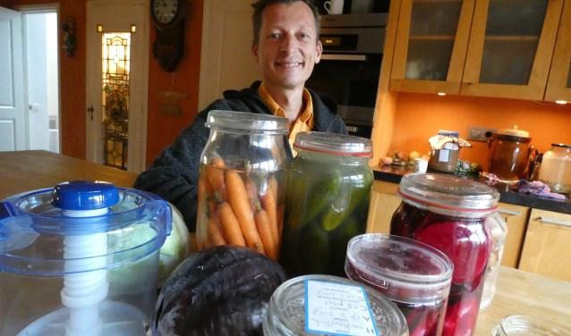 Peter van Berckel, kok, natuurvoedingskundige en fermentatiespecialist, geeft vrijdag 23 november een demonstratie Japans fermenteren.