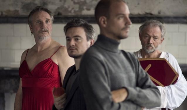 Theatergroep Suburbia met de nieuwe theatervoorstelling 'Troost & Zonen'