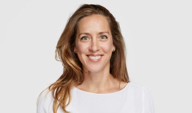 Jet Hasper (38) uit Goirle runt het bedrijf 'Intens productief'. Zij spreekt uit eigen ervaring als het gaat om stress in de werksituatie.