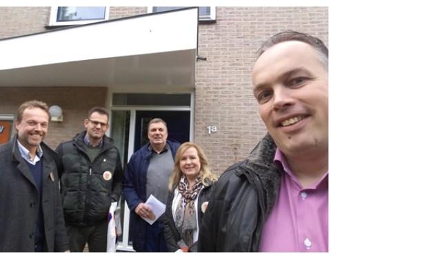 De VVD kandidaten op stap in Strijen