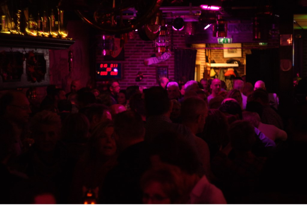 The New Habit bracht een dansbare, heerlijke groove naar JaxX.  Foto: Steve Hellemons-Breman © Persgroep
