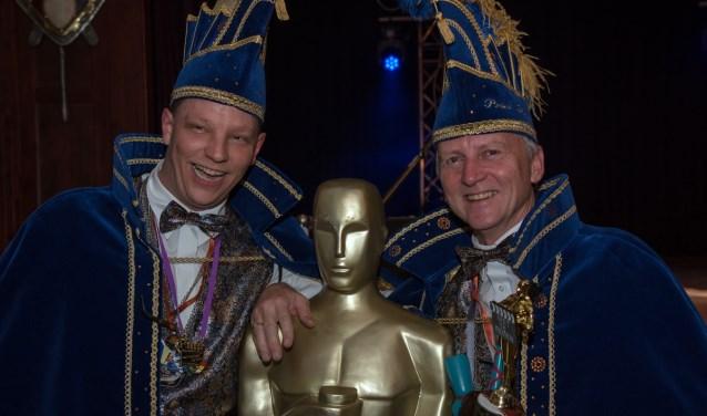 Prins Puup Zjoske (rechts) met Adjudant Woody.