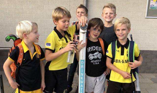 Het watertappunt bij DHV is mede mogelijk gemaakt door 'Samen gezond in Deventer', Pactum Installatietechniek en Witteveen+Bos.