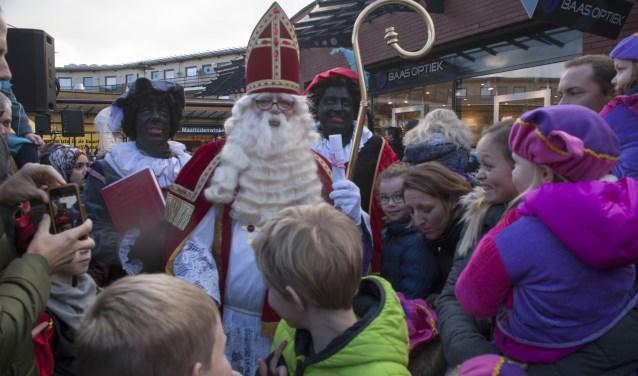 Dankzij Regelpiet en haar vrienden kan Sinterklaas al zijn aandacht aan de kinderen van Leusden schenken.