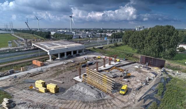 Het Station Lansingerland-Zoetermeer in aanbouw vorig jaar.