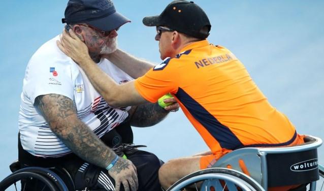Het moment waarop Vermetten zijn tennismaat Paul Guest troostte en moed insprak tijdens een wedstrijd toen die laatste in paniek raakte door een overvliegende helikopter.