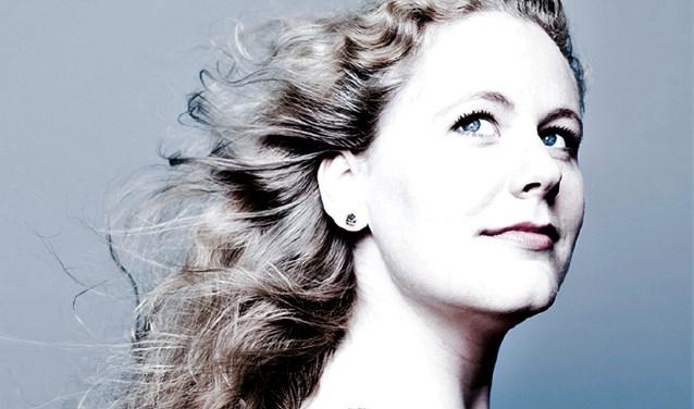 De mezzosopraan Christianne Stotijn vertolkt op vrijdag 7 december liederen van Puccini, Respighi, Mozart en Tsjaikovski in het Noord-Veluws Museum. Eigen foto