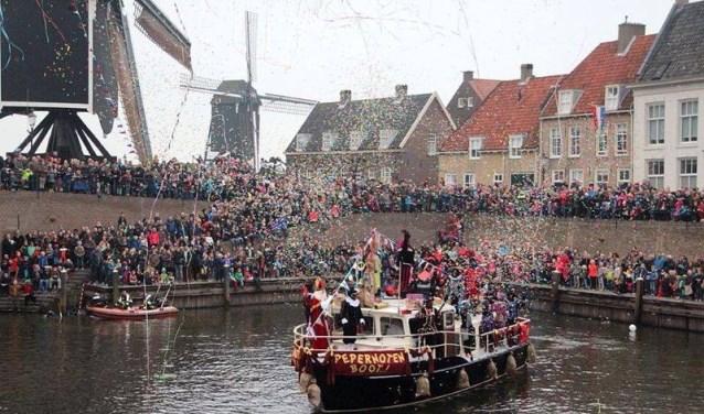 Op zaterdag 17 november om 14.00 uur vaart de Pepernotenboot van Sinterklaas de Stadshaven van Heusden in.