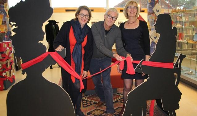 De makers van de tentoonstelling willen ook zelf het lintje nog wel een keer doorknippen. (Foto: Lysette Verwegen)