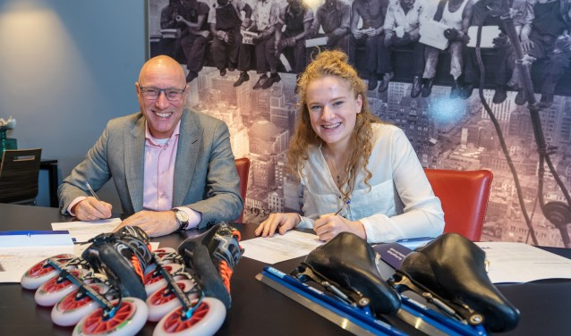 Bouwbedrijf Kelderman ondersteunt de Bennekomse schaatster en skeelerster (17) Marit van Beijnum om haar Olympische dromen te realiseren. (foto: John Voermans)
