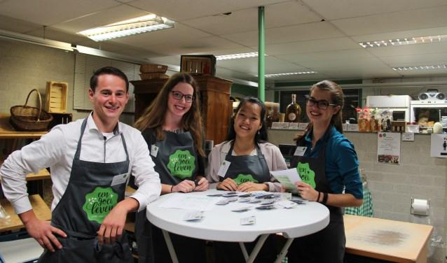 HAS-studenten Sven, Aniek, Warong en Betty organiseerden de proef- en netwerkavond.