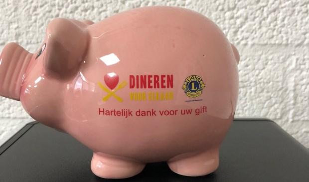 Doneren kan vanaf 11 november tot en met 5 januari bij de deelnemende restaurants. Het roze spaarvarken staat weer klaar!