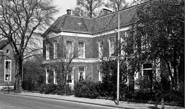 Het Oude Mannenhuis aan de Molenstraat in 1977. Foto: Historische Sociëteit Enschede-Lonneker
