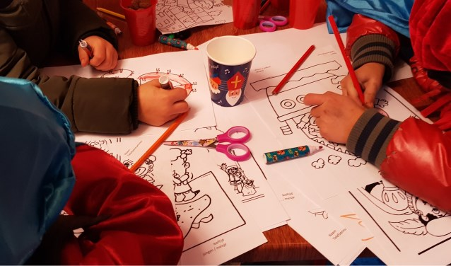 kinderen in het Sinterklaashuis
