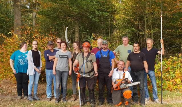 Collega's Reed Business samen aan de slag met mannen van zorgboerderij Slangenburg