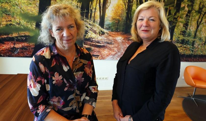 Marijke Gerrits, zorgmanager GC Heikant en Corinne de Boer van de GGzE, vertellen meer over psychische kwetsbaarheid. FOTO: Bert Jansen.