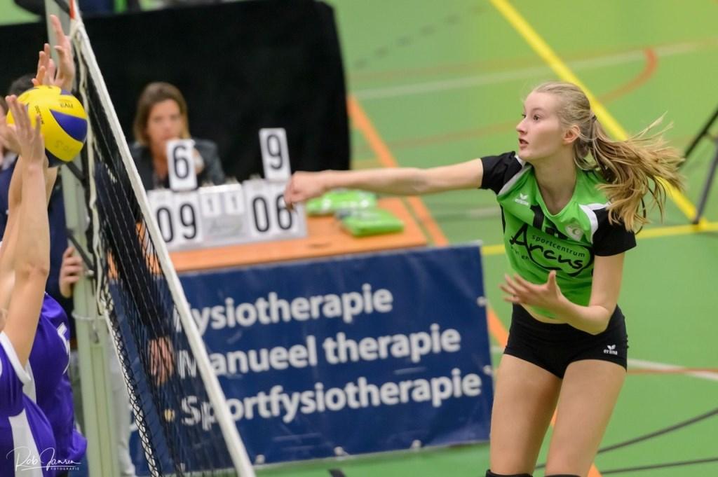 Esmee Driessen valt aan. foto Rob Jansen © Persgroep