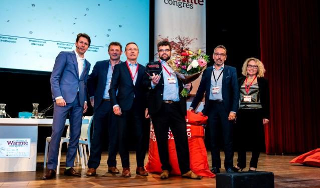 Valentijn Kleijnen, directeur van het winnende warmtenet in Ede met de overige genomineerden.