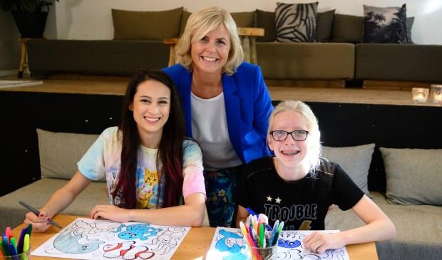 Bente Appelo (rechts) met Djamila (links) en Irene Moors.