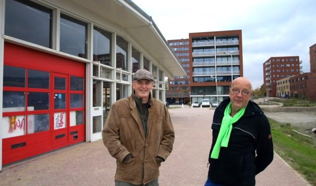 Alcuin Olthof (architect) en Willem Hermans (stedebouwkundige) ontmoeten u heel graag op 27 november in deze oude garage aan de Ambachtsherenlaan in Palenstein. Foto: Simone Langeveld