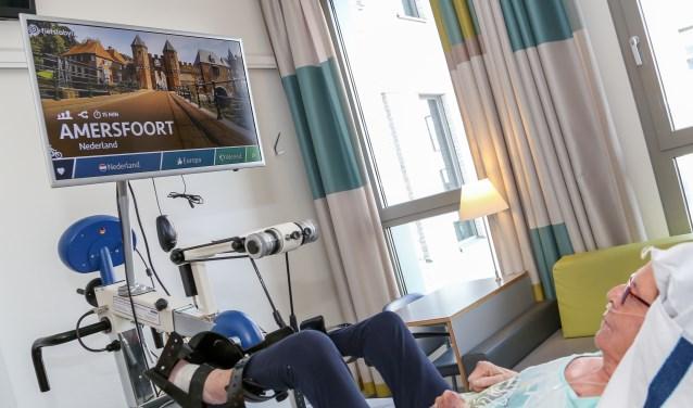 Het gebruik van de bedfiets die patiënten liggend met hun voeten kunnen bedienen, bevordert hun herstel.