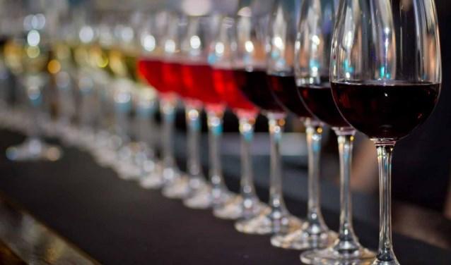 Er kunnen meer dan 50 verschillende wijnen worden geproefd.