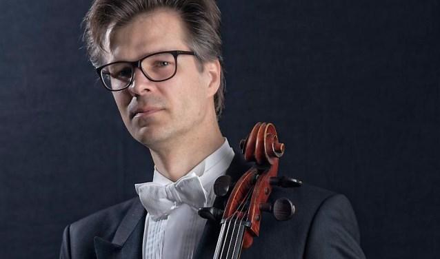 Maarten Jansen speelt solo