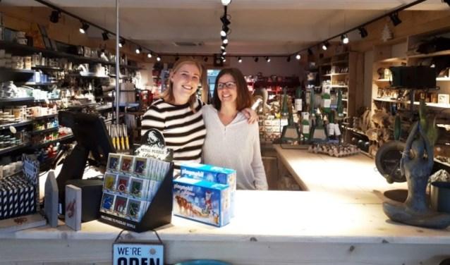 Sanne en Marjanne zijn supertrots op hun winkel.